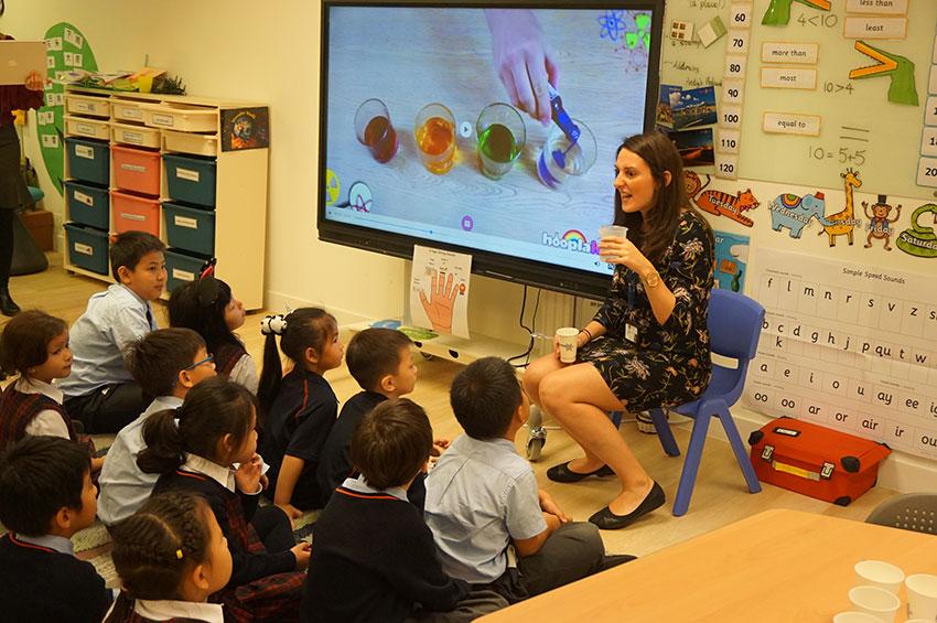 學校量身設計特色教學活動,誘發學生的學習興趣。